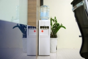 Top 3  cây nước nóng lạnh phù hợp cho không gian văn phòng