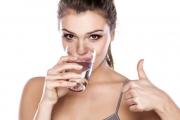 Học cách uống nước lọc buổi sáng tuyệt vời như người Nhật